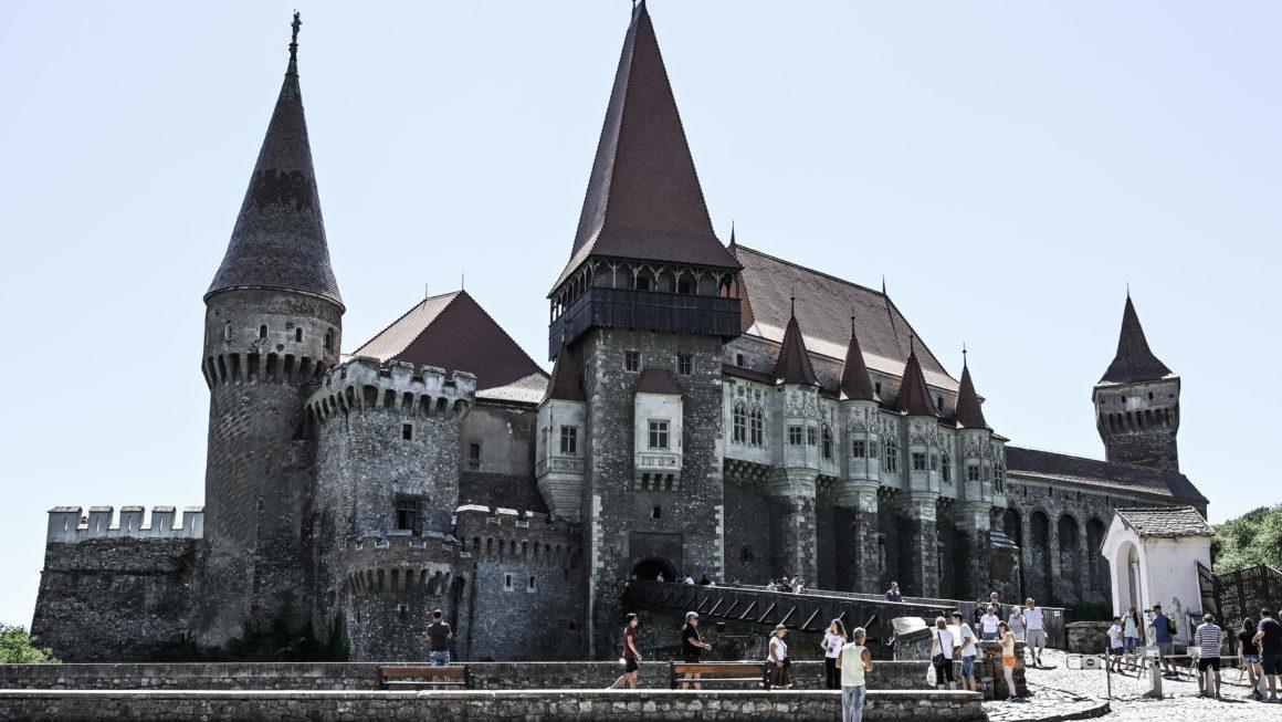 Zamek pełen legend -Hunedoara